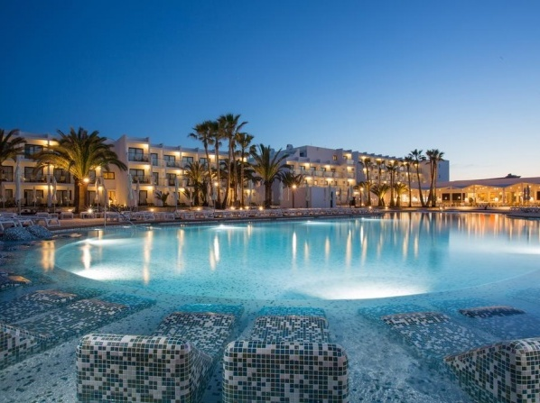 Grand Palladium White Island Resort & Spa - All Inclusive 24h